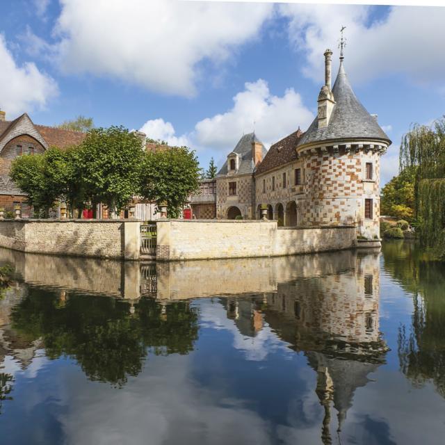 Chateau Saint Germain De Livet Shutterstock 401037394 L