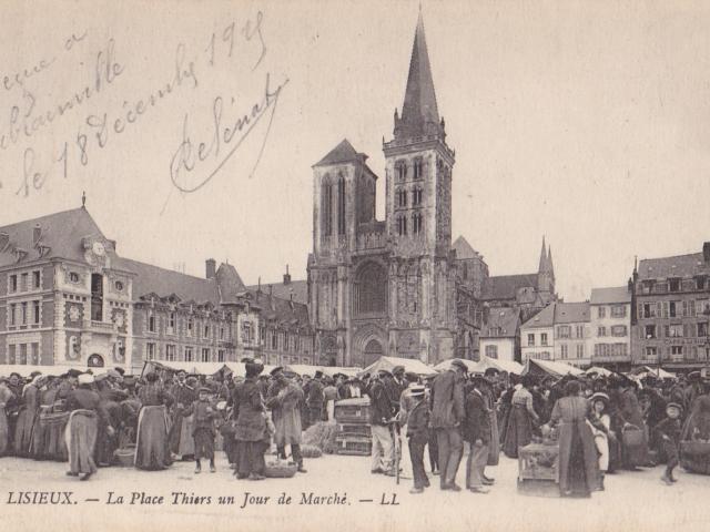 Lisieux Place Thiers Au Temps De Thérèse Carte Postale D. Deshayes