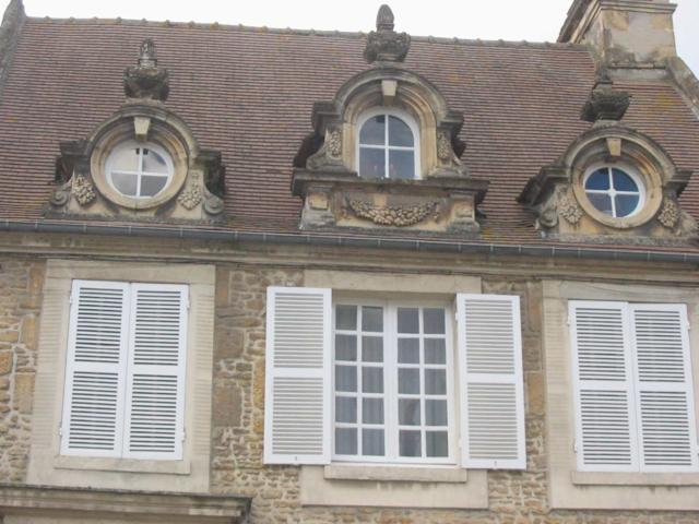Saint Pierre Sur Dives, Un Modèle De L'habitat Urbain Au Fil Des Siècles